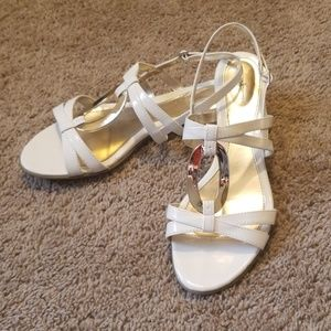 Jaclyn Smith white sandals